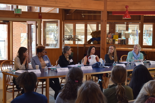 Alumnae Come Back to the Forest for Career Day