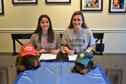 GFS Seniors Sign Letters of Commitment